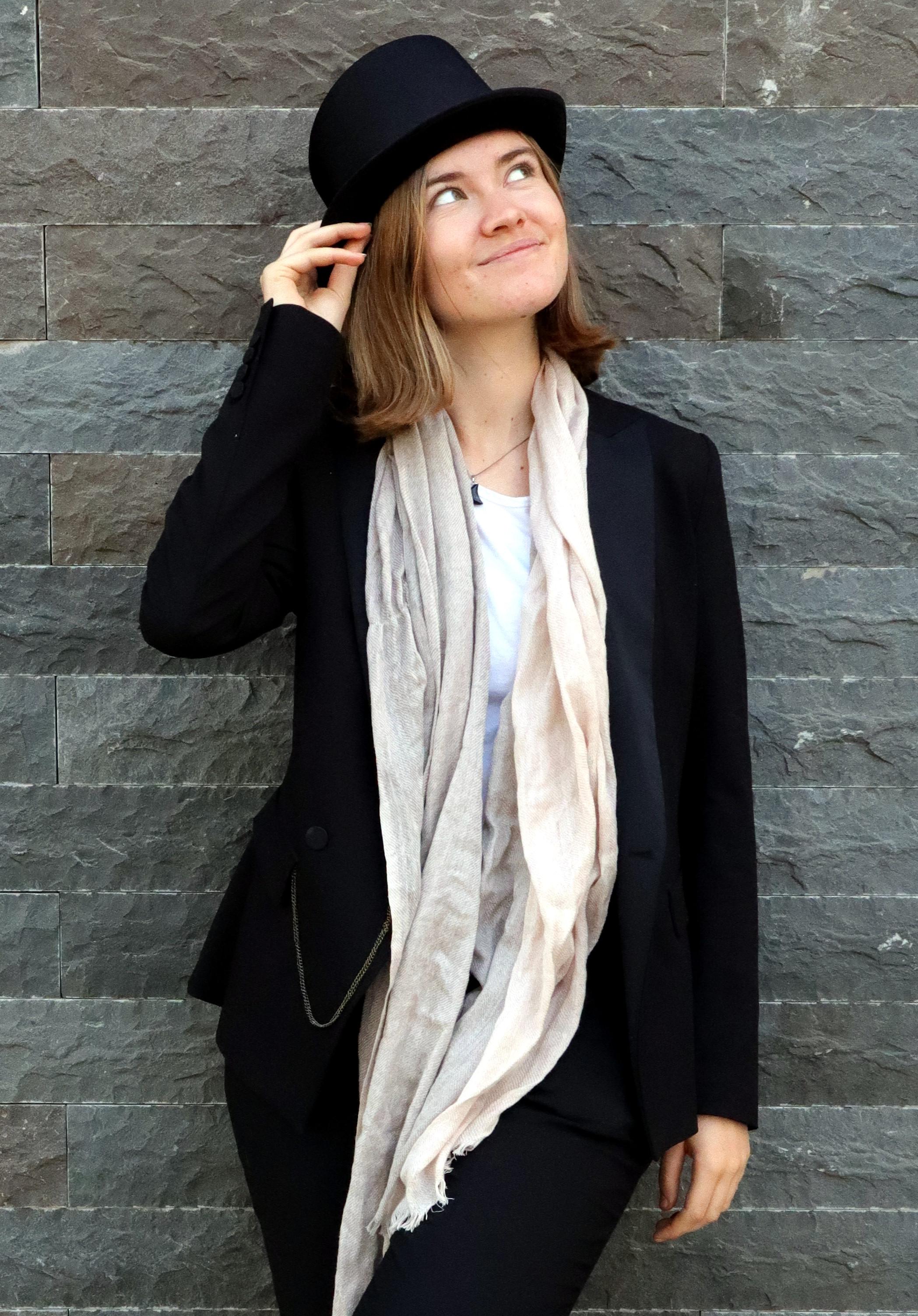 Luna Keller - Singer Songwriter - www.lunakeller.com